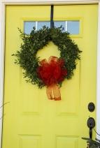 a simple bow on a wreath