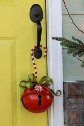 A jingly door hanger
